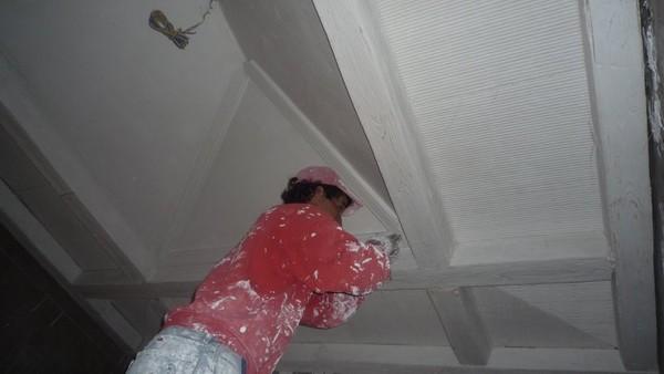 Poutres de platre et faux lilas for Fausses poutres pour plafond