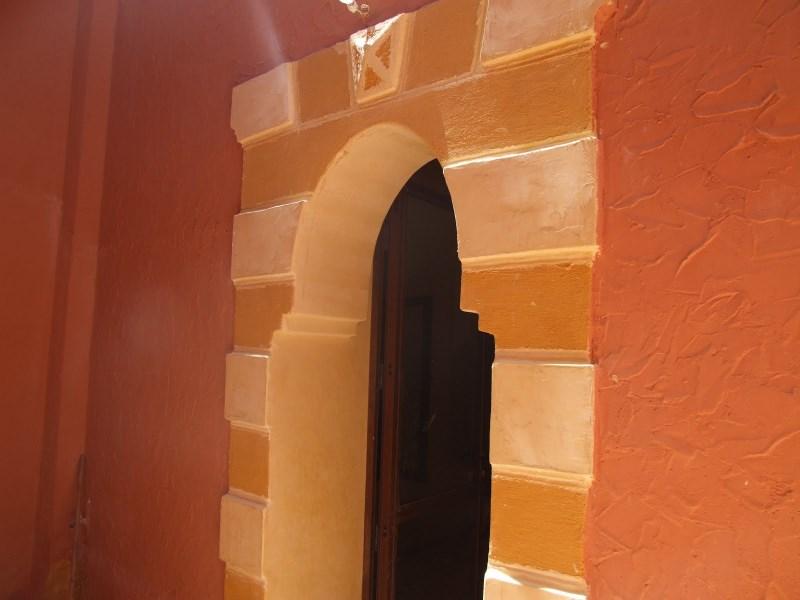 Encadrement des portes de cour for Porte de cour